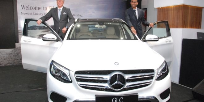 Roland Folger,  MD& CEO, Mercedes-Benz India and Amith Reddy, Principal Owner, Silver Star at the newly inaugurated Hyderabad dealership