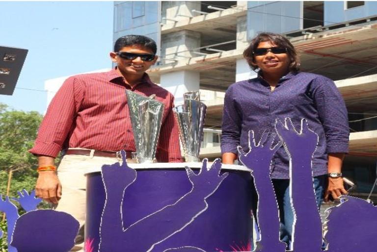 Nissan Trophy Tour Excites Cricket Fans In Bangalore