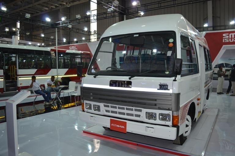 SML Isuzu Ecomax Bus