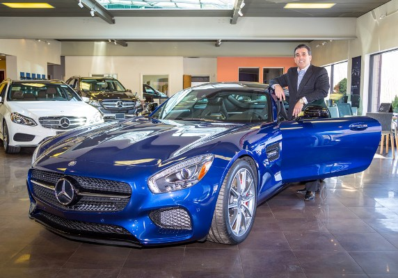 New jersey automotive leader tom maoli supports governor for Mercedes benz dealers in new jersey