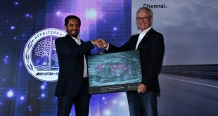 Roland Folger, MD & CEO, Mercedes−Benz India presenting Memento to Abdul Qadir, MD, Trans Car India at the inauguration of the AMG Performance Center in Chennai